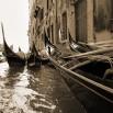 Fototapeta Gondolierzy w odcieniach koloru sepia