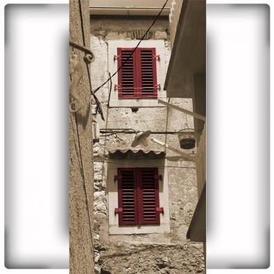 Fototapeta czerwone okiennice