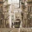 Fototapeta z tramwajem w kolorze sepii