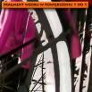 Z bliska - fragment - Fototapeta różowy rower