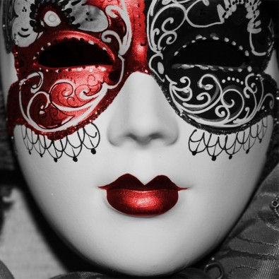 Czerwona maska wenecka