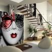 Fototapeta czerwona maska wenecka - aranżacja ściany pod schodami
