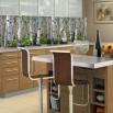 Fototapeta szeroka brzezina - ozdoba między szafkami w kuchni