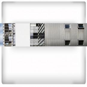 Fototapeta metalowy dom - panoramiczna