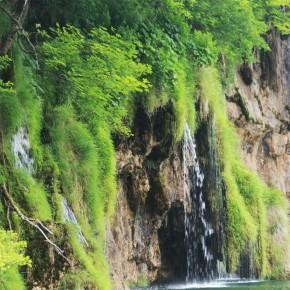 na ścianę wodospad