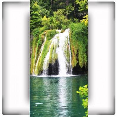 Fototapeta wodospad pionowy na ścianę w przedpokoju