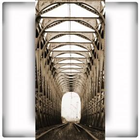 Fototapeta pionowa - most kolejowy