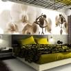 Fototapeta brązowa orchidea w aranżacji ściany w sypialni