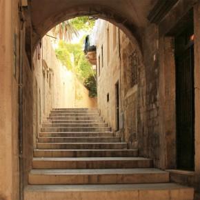 uliczka schody