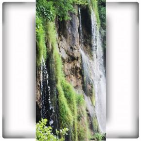 Fototapeta wodospad na drzwi