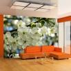 Fototapeta miłosne jabłonie - aranżacja w pomaraańczowym salonie