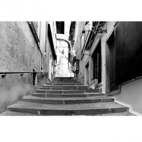 Ftotapeta uliczka schody - czarno biała