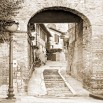 Fototapeta włoska uliczka w sepii